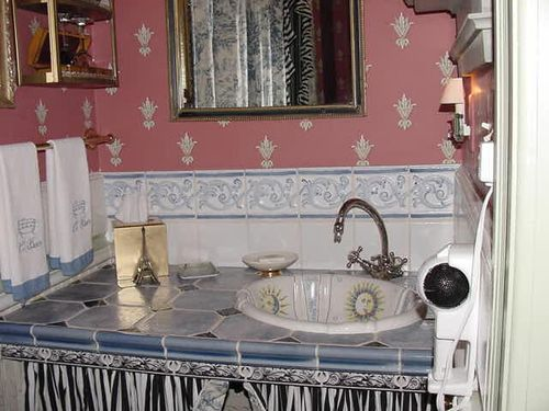 Seven Sisters B&B Paris Room vanityJPG