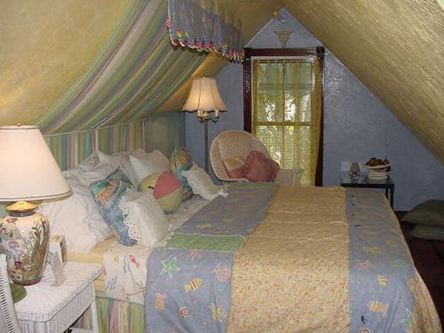 Seven Sisters, Ocala, FL, Lotty's room in Loft.