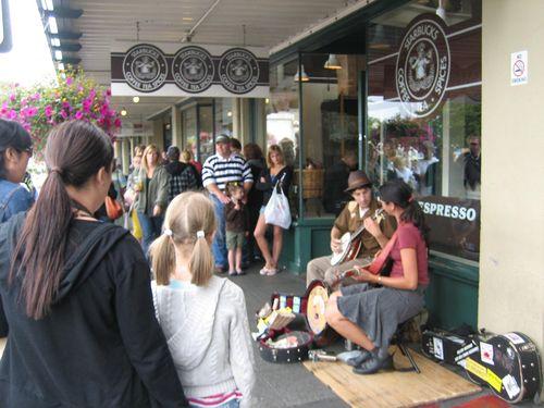 Ashley, Brenna and Kim visit Seattle July 09 038