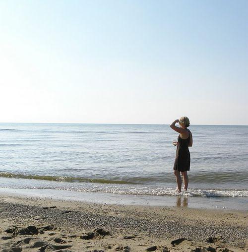 Heather on beach (Simple Daisy blog)