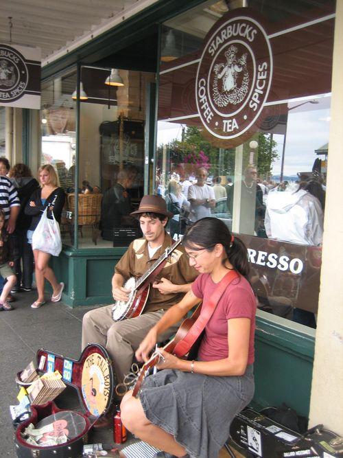 Ashley, Brenna and Kim visit Seattle July 09 040