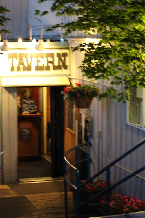 Tides Tavern June 2011 093