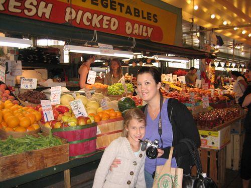 Ashley, Brenna and Kim visit Seattle July 09 035