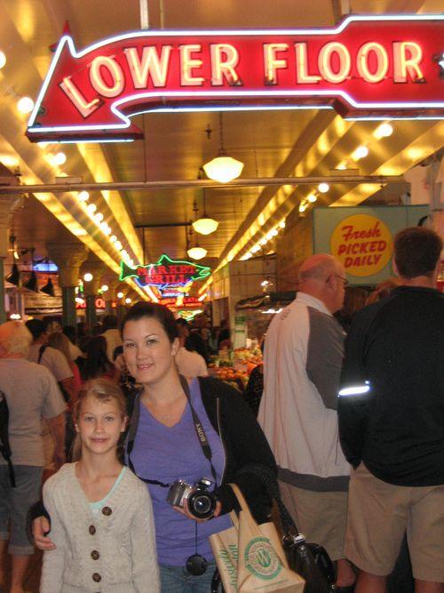 Ashley, Brenna and Kim visit Seattle July 09 032