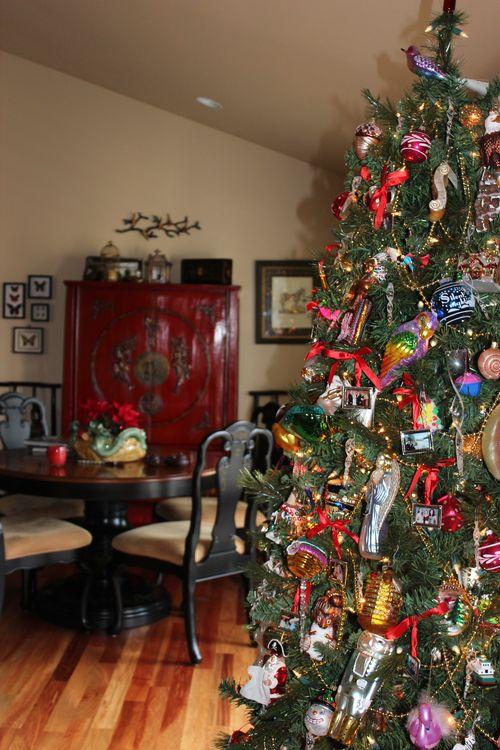 Christmas holiday decor 2011 063
