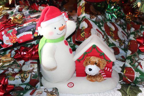 Christmas holiday decor 2011 022