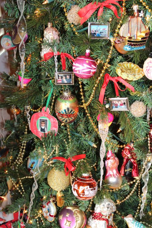 Christmas holiday decor 2011 053
