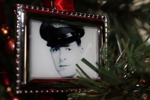 Christmas holiday decor 2011 154