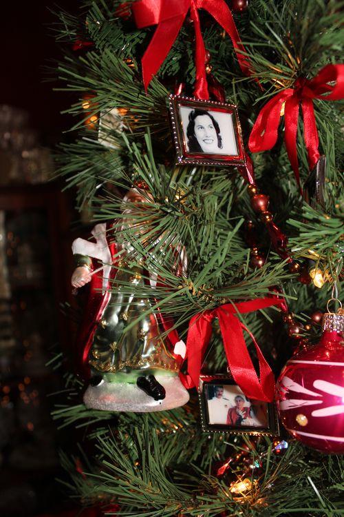 Christmas holiday decor 2011 152