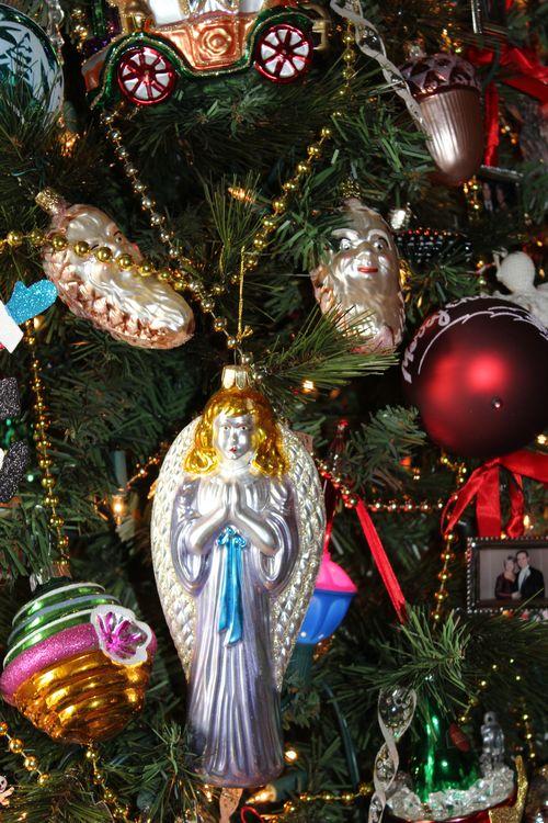 Christmas holiday decor 2011 055