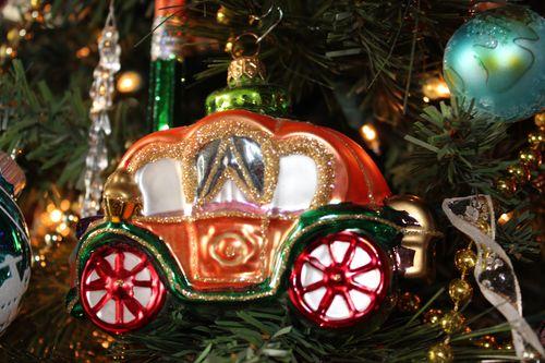 Christmas holiday decor 2011 038