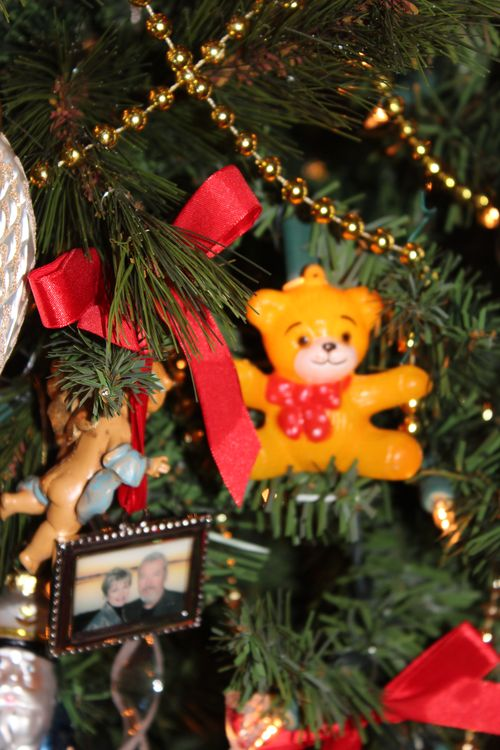 Christmas holiday decor 2011 057